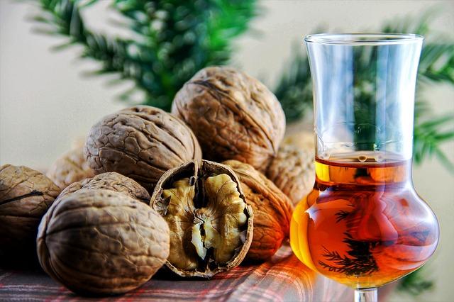 vlašské ořechy a likér