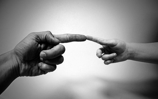 propojení dospělého a dítěte