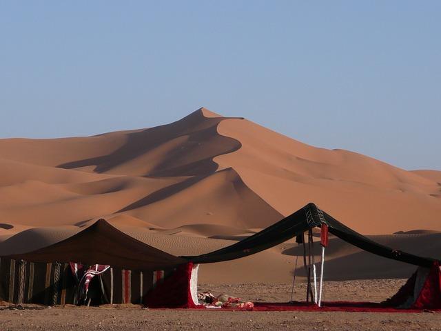 pouštní osada v Maroku