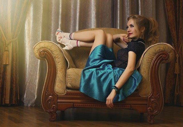 pin-up-girl-2171312_640